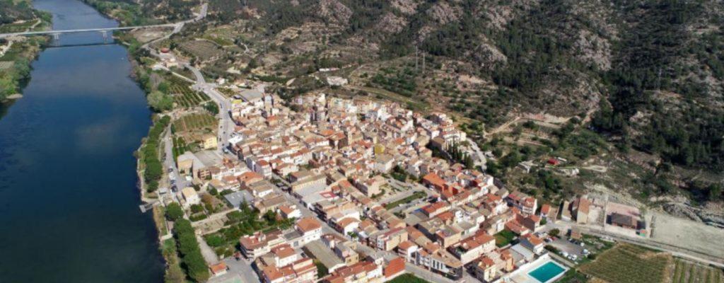Benifallet, village on the River Ebro